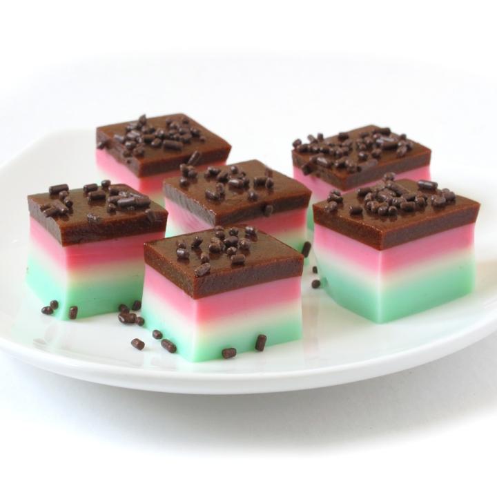 Tricolor cookie shots squ